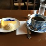 柴原珈琲店 - ケーキセットは800円