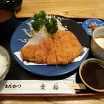とんかつ 貴船 - 料理写真:ロースみそかつ定食 1,050円