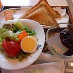 cafe・おりおん小泉 - 料理写真:ホットサンドセット(ドリンク付き) 650円