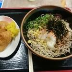 桂川パーキングエリア(下り線)スナックコーナー - 冷たいそばといなり寿司のセット