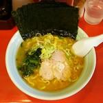 おーくら家 - ラーメン700円麺硬め。海苔増し100円。