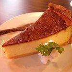 カフェ みつばち - ベイクドチーズケーキ