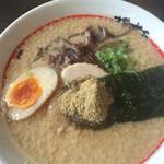 東京発祥豚骨ラーメン 哲麺縁 - 哲麺ラーメン600円、脂こってりをチョイス!脂がいい感じ~