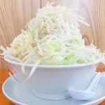 ラーメン長嶋 - 料理写真:中ラーメン300g+野菜増し+ニンニク