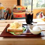 峰山ハチミツ - はちみつアイスパン モーニングセット (600円) '16 3月下旬