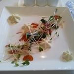 54699811 - 九州野菜のサラダ 豆乳のエスプーマ 醤油と利尻昆布のジュレ
