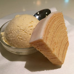 バウムクーヘン カフェ - ビーフシチューセットのデザート