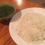 る・それいゆ - ご飯とアーサー汁のセット360円