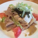 る・それいゆ - 三枚肉と島豆腐のサラダ980円