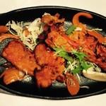 エベレスト カリーハウス - 豚の骨付き胸肉