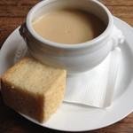 54713464 - マッシュルームのスープ