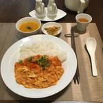 54714450 - 日替わりランチ(金)エビと卵のチリソース炒めかけご飯