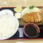 54717185 - トンカツ定食750円♪