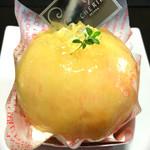 54717688 - まるごと完熟桃のケーキ 620円に値上がりしていました。