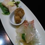 54717953 - お昼の飲茶コース 前菜3種 海老しんじょのマヨネーズかけ、ホタテの醤油煮、鯛の中華刺身