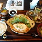 母屋カフェ ときの屋 - 料理写真:きれいに盛り付けされてます。ランチ850円です。