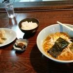熊ぼっこ - 料理写真:マル得セット(味噌ラーメン、餃子、ライス)