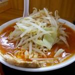 ガッツリラーメン 暁 - 辛味噌らーめん(小盛り160グラム、780円)