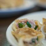中華料理 餃子館 - 牛肉(うしにく)、斷面(きりくち)