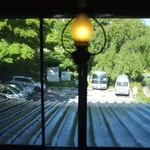 54730041 - 旧館の部屋の窓から