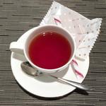 神戸風月堂 - ゴーフル、紅茶