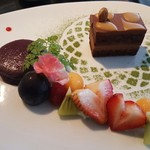 54736850 - キャラメルとチョコレートのケーキ