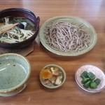 六十里越ドライブイン - 料理写真:月山山菜そば 1,150円