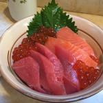 はやしや食堂 - 三色丼(1,800円)