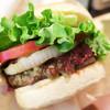 ピーティーズバーガー - 料理写真:牛肉のハンバーガー (・o・)