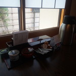 柿千 - 座敷のテーブルの様子