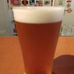 ビアカフェ カミヤ - ヒエッ!ぼやけてるッ!ビールの名前の記憶もぼやけて思い出せない。。