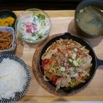 168食堂 - 豚のしょうが焼き定食(900円)