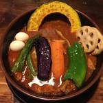 ラマイ - 料理写真:チキンスープカレー1100円、辛さデヴィフジンプラス100円です。
