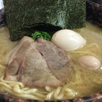 麺場 ちゃっちゃか - 醤油らぁ麺(中盛)800円・海苔増し100円・味玉100円