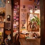 サムズ倶楽部ハウス - お洒落な店内
