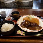 明日香 - 料理写真:ミンチカツ定食