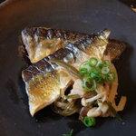 ロバ - 秋刀魚のソテーきのこ&梅ソース