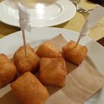 54761001 - パネッレ(ヒヨコ豆のペーストを一口サイズにして揚げたシチリアの定番フリット)