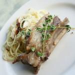 ロイヤルウイング - 料理写真:夕食の『豚スペアリブのハーブ焼』2016年7月