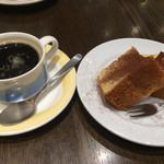バンザイヴィーノ - デザートセットのシフォンケーキと珈琲