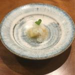54769657 - 桃の冷たい前菜