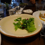 ラ・メゾン - サラダ(食べかけですみません)