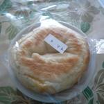小さなパン店 リッカ ロッカ - トマトとバジルとチーズ