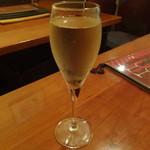 イタリアン居酒屋 にんたま屋台 - サンテロ ピノ シャルドネ スプマンテ(スパークリングワイン) 2016年8月来店