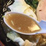 54781474 - 豚骨醤油ラーメン スープアップ