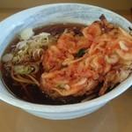54786217 - 桜えびかき揚げそば。少し甘味のある濃いつゆにひたして食べる天ぷらは旨い!