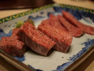 西麻布けんしろう - 尾崎牛:宮崎牛シンシンのステーキ 神のハラミ