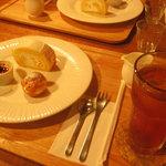 喫茶洋菓子 山葡萄 -