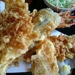 奥会津 - ジャンボ海老天ぷら。