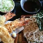 奥会津 - ジャンボ海老天ぷら・蕎麦。